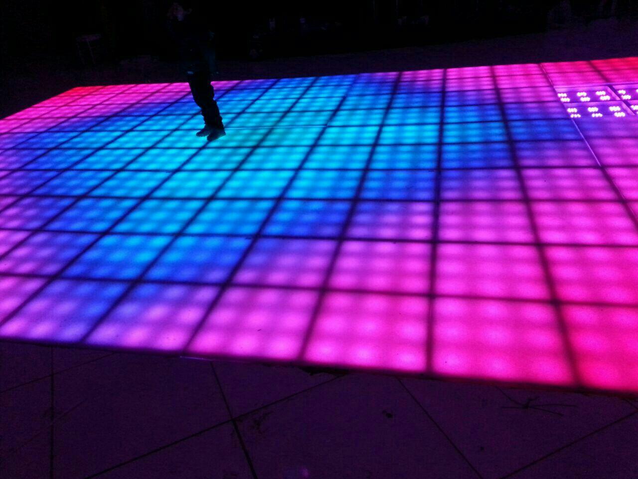 نور پردازی پروژه خندوانه نوسط سمیعی